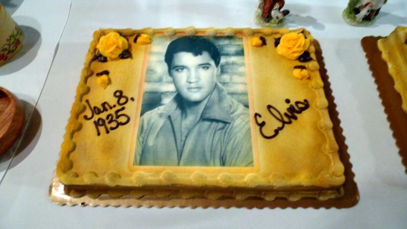 Elvis' Cake